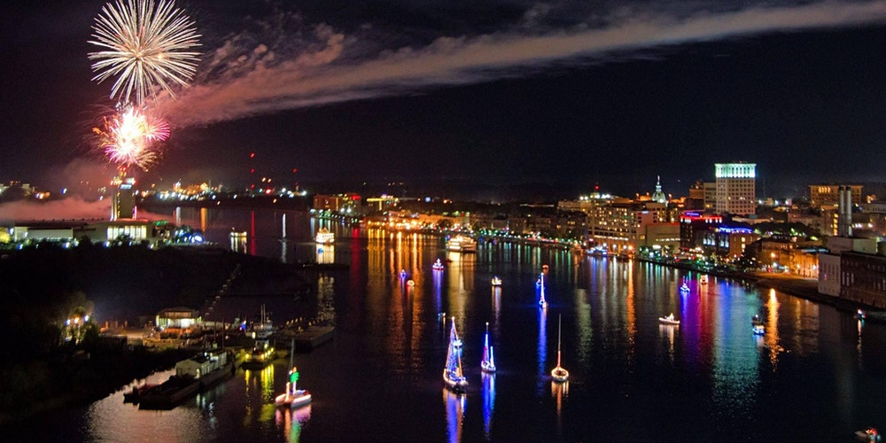 Savannah's Boat Parade of Lights   Savannah's Waterfront